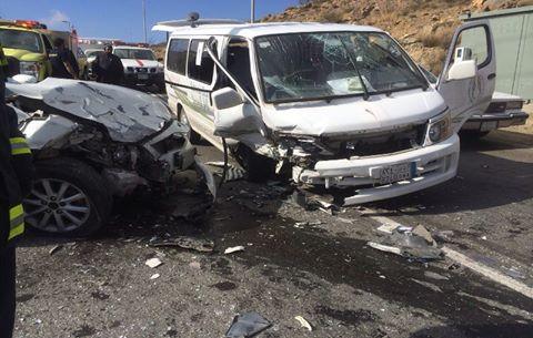 بالأسماء..إصابة 8 أشخاص إثر تصادم سيارتين بالصحراوي الغربي بقنا