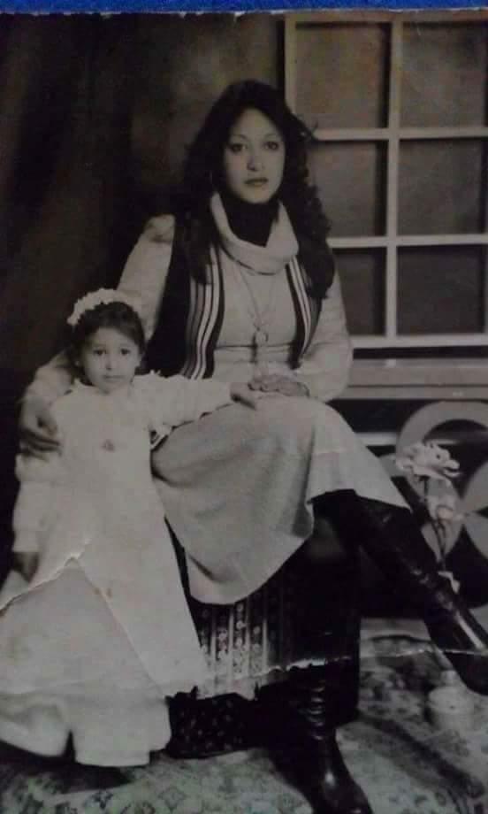 تعرف على رسالة المطربة شاهيناز لوالدتها في عيد الأم