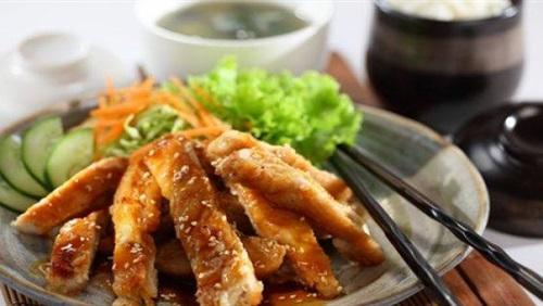 طريقة عمل دجاج ترياكي لكسر روتين الغداء