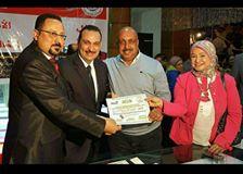 نقابة العاملين بالتربية والتعليم تكرم اللواء طارق في احتفالية عيد الام