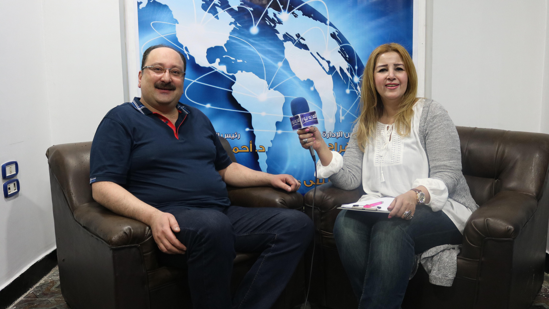 المذيعة سوسن الحسينى تحاور الفنان ماجد القلعى