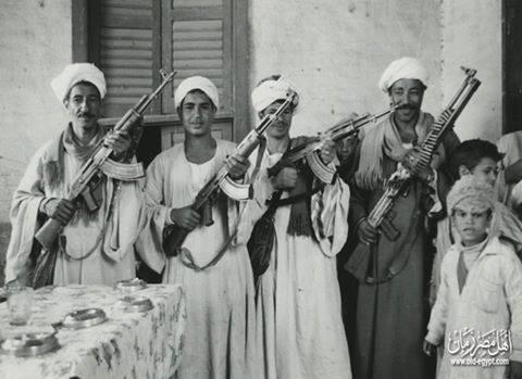 صورة من قرية حمرة دوم بمركز نجع حمادي في محافظة قنا سنة 1975 .