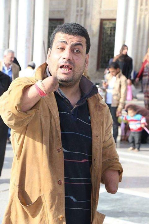 حرامي ومجرم و عايز أتوب ومش عارف قمت بقطع يدي  تحت قضبان الحديد