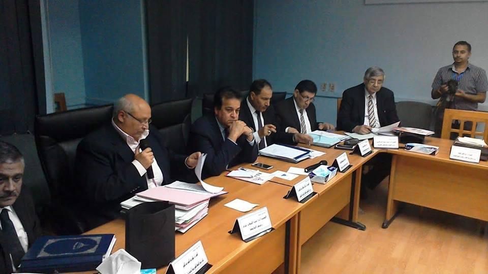 وزير التعليم العالى: زيادة حافز الجودة بالجامعات ونظام تأمين صحي شامل