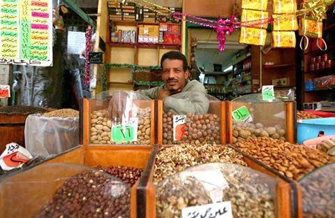 كنافة وقطايف أشهر حلويات رمضان المبارك.