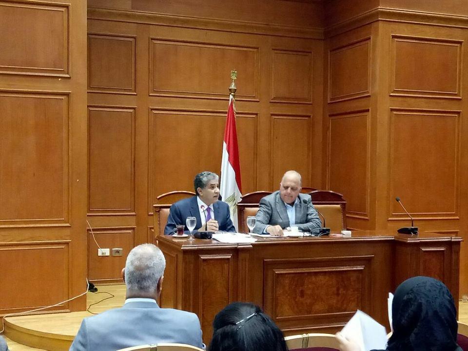 وزير البيئة يستعرض خطط وزارة البيئة والتحديات التى تواجهها