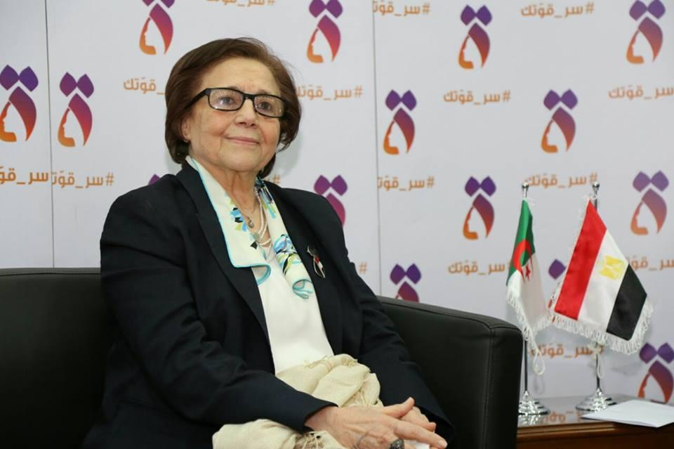 الجزائرية جميلة بوحيرد تعرب عن سعادتها من رحيب وحفاوه الشعب المصري لها