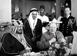 بالفيديو الملك عبد العزيز يجتمع تشرشل في مصر