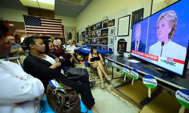 أكبر مدمني التلفزيون في العالم بأمريكا الشمالية