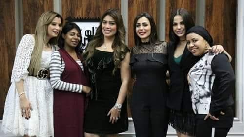 ديانا هشام تنتقد مراقبة الأمهات الزائدة لبناتهم