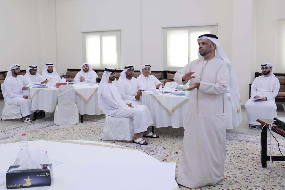 الدكتور خالد النقبي ينهي المخاطر الإدارية بالشارقة