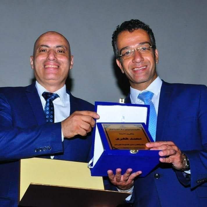 مهرجان الإبداع الوظيفى يكرم مدير هيلتون مركز التجارة أحمد صدقى