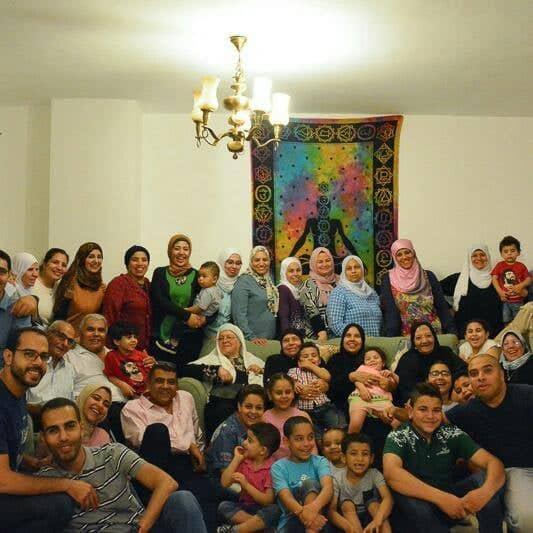 تهنئة عائلة النجار