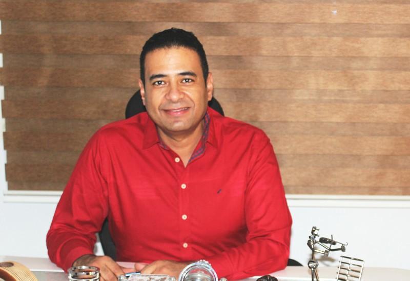 محمد عماد الدين يوضح التوقيت المناسب للجوء لعمليات تسمين الوجه