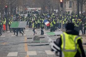 فرنسا تشهد احتجاجات لكافة الشرائح الاجتماعية الواسعة