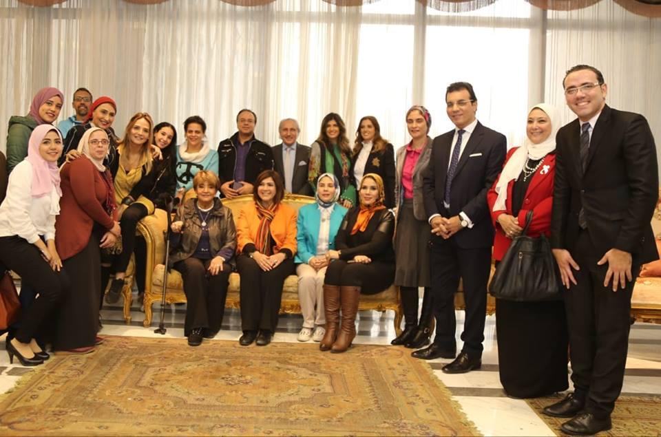 جامعة عين شمس تبحث دور الإعلام في مناهضة العنف ضد المرأة