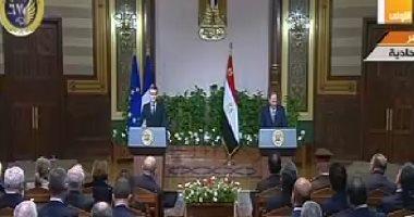 الرئيس السيسي يؤكد علي زيادة حجم التبادل التجارى والاستثمار مع فرنسا