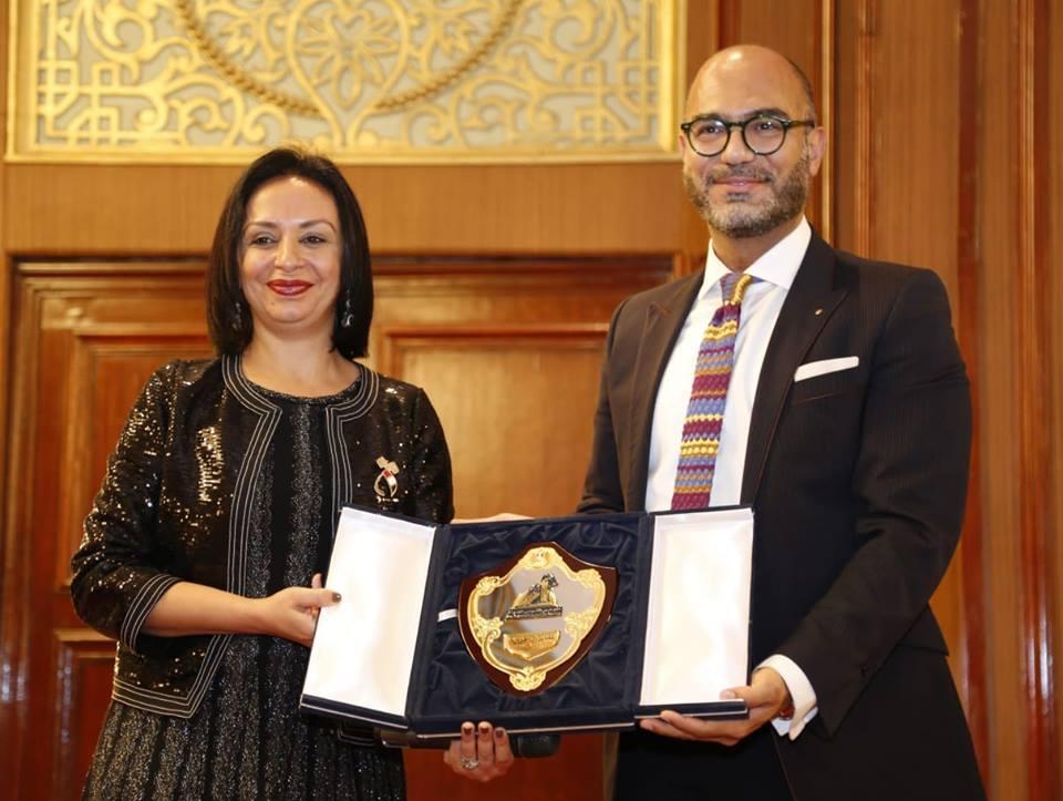 المدير الإقليمي لهيئة الأمم المتحدة يكرم مايا مرسى