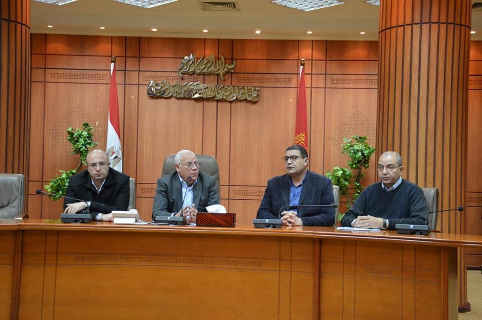 محافظ بورسعيد يؤكد ان تجربة التعليم اشادت بها القيادة السياسية
