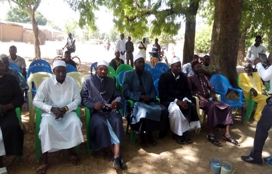 """""""خريجي الأزهر"""" تحتفل بإسلام عدد 50 شخص بقرية سنكن في غانا"""
