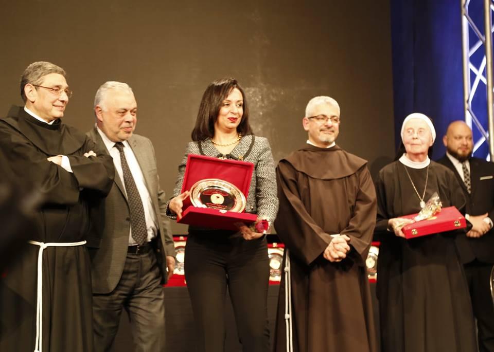 المركز الكاثوليكي المصري للسينما يكرم رئيسة المجلس القومي للمرأة