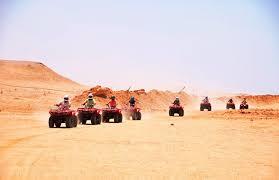 الأجهزة الأمنية تنقذ (11) صينى ضلوا طريق العودة أثناء رحلة سفارى لصحراء الفيوم