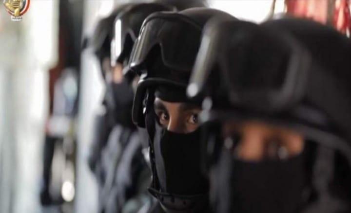 استشهاد 7 بينهم ضابطا شرطة وإصابة 26 في تفجير انتحاري بالشيخ زويد