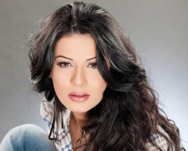 نجلاء بدر: مقبرة العائلة تحولت لموقع تصوير المسلسلات