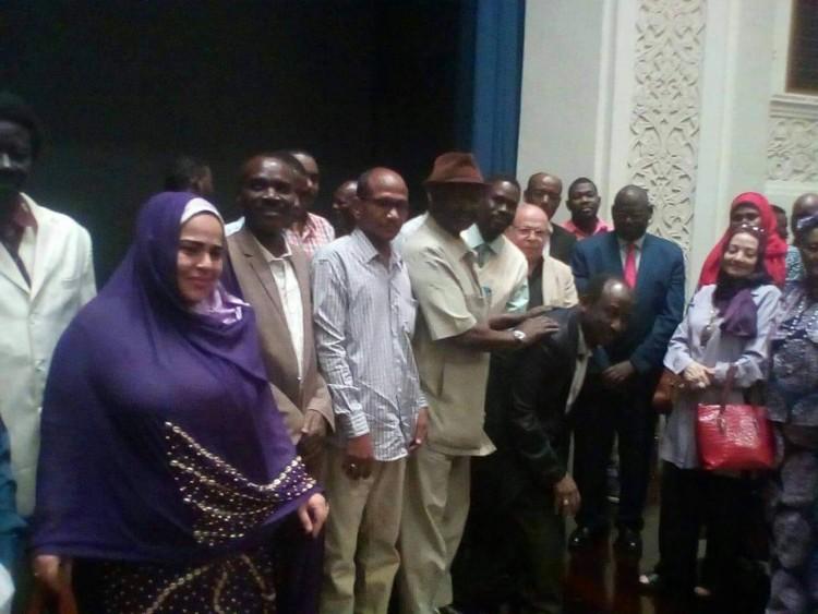 أعضاء مبادرة مصر والسودان أيد واحدة يدشنون كتاب أثر الصراع بين السودان وجنوب