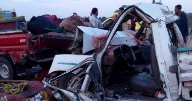 إصابة 3 أشخاص في حادث تصادم سيارة نصف نقل بالبحيرة
