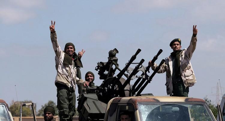 بعد إسقاط الطائرة... الجيش الليبي يبدأ الزحف نحو طريق المطار