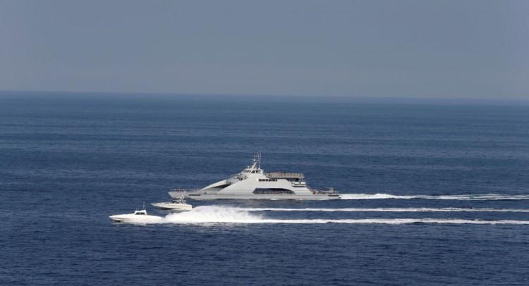 بريطانيا تقول إن قوارب إيرانية حاولت احتجاز ناقلة نفط تابعة لها