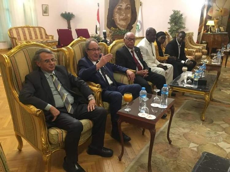 وزير الإعلام والاتصالات بدولة جامبيا يزور جامعة مصر للعلوم والتكنولوجيا