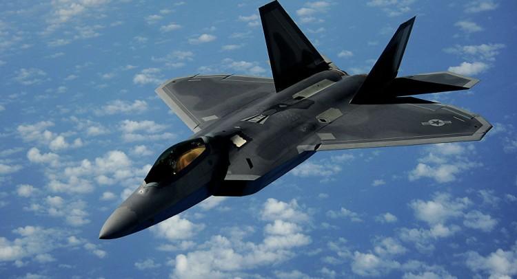 """سوريا... اكتشاف مشكلة في مقاتلة """"إف-22"""""""