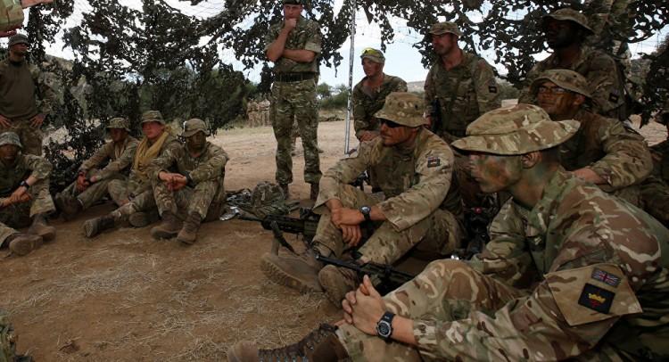 بريطانيا تشعل الخليج وترسل قوات إلى هذه الدولة العربية