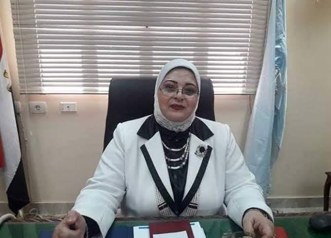 وكيل تعليم كفر الشيخ تستقبل المواطنين خلال اللقاء الجماهيري وتستمع ل 35 مواطناً ومعلماً