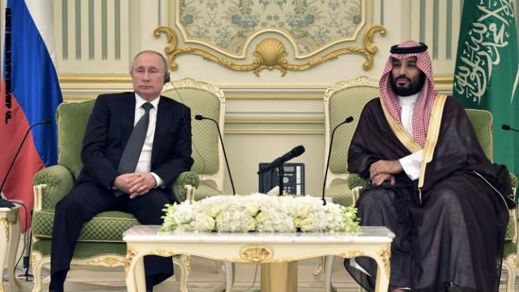 """ولي العهد السعودي يلتقى بوتين.. و20 اتفاقية بين موسكو والرياض منها """"رحلات فضائية"""""""
