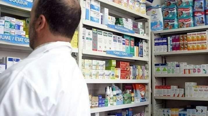 ضبط مخزن أدوية وتشميع 9 صيدليات بأسيوط