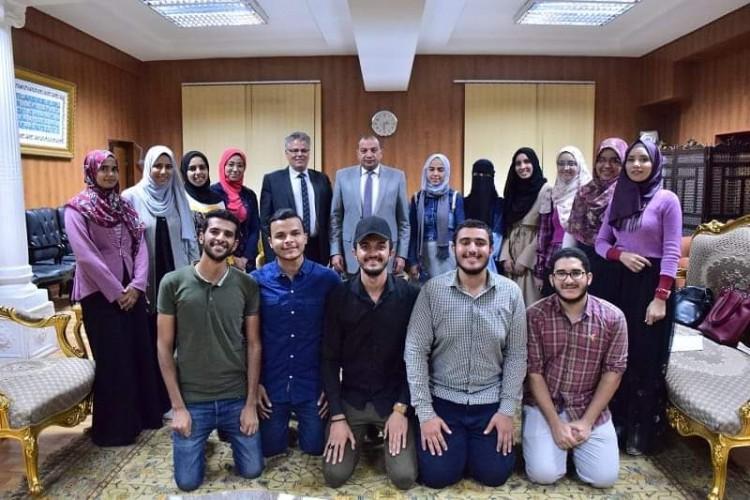 حصول 15 طالب بألسن بني سويف على منحة دراسية لألمانيا