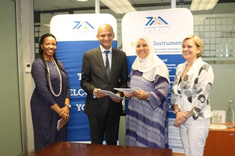 أكاديمية البحث العلمى ووكالة الابتكار بجنوب إفريقيا يوقعان اتفاقية تعاون