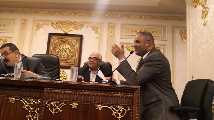 اقتراحات النواب توافق علي طلب نائب سمالوط لبناء مجمع مدارس بقرية الجزائر