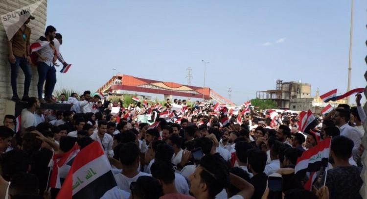مقتل 3 متظاهرين بتفجير ثالث في ساحة التحرير وسط بغداد