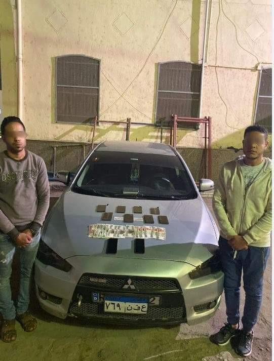 القبض على شخصين بحوزتهم كمية من مخدر الحشيش  بقصد الاتجار ببولاق ابوالعلا