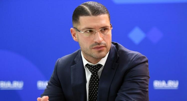 دينغوف: السراج وحفتر قد يزوران موسكو قريبا لبحث حل الأزمة الليبية