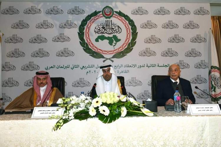 رئيس البرلمان العربي يحذر من خطورة التدخلات الإقليمية العدوانية