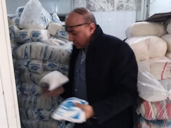 وكيل وزارة التموين بالاسكندرية يتفقد منافذ بيع السلع الغذائية والمخابز بالمحافظة