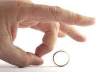 غياب السعادة بعد الزواج