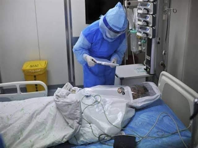 الصحة: تسجيل 702 حالة إيجابية جديدة لفيروس كورونا.. و 19 حالة وفاة