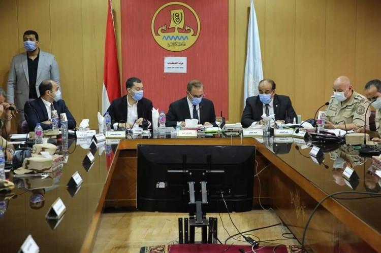 محافظ كفر الشيخ يتابع فتح اللجان وبدء انتخابات مجلس الشيوخ من غرفة العمليات