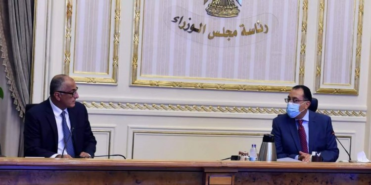 رئيس الوزراء يستعرض مع محافظ البنك المركزي تطورات أداء القطاع المصرفي خلال أزمة كورونا